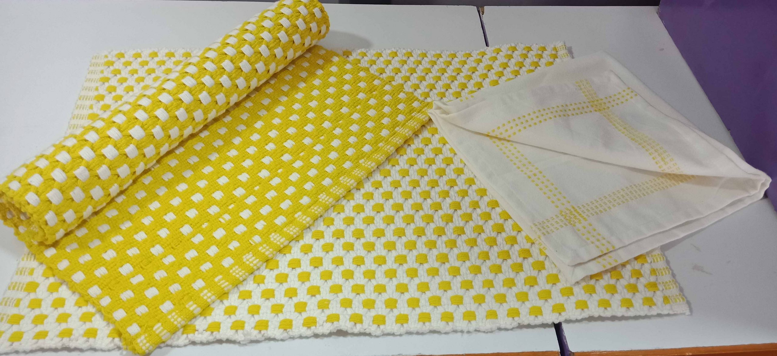 Yellow placemat & napkin set